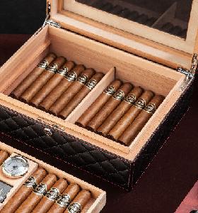 p01 Cigar Box Cigar Humidor